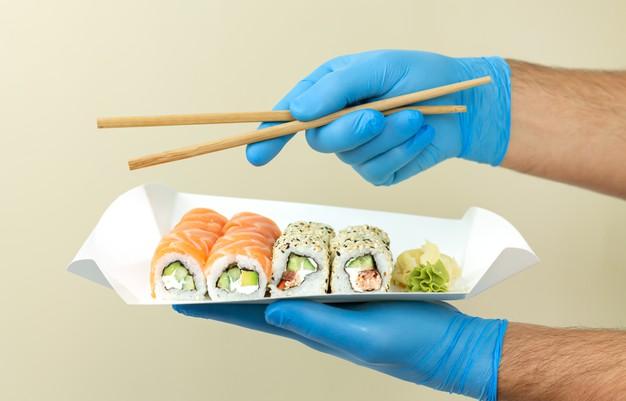 Купить суши онлайн с бесплатной доставкой в Karakatizza